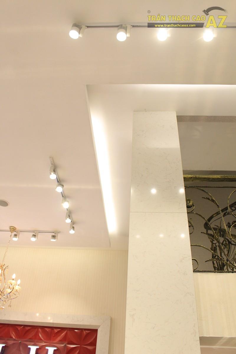 Thời trang H&H sang trọng với trần thạch cao hiện đại kết hợp cổ điển đẹp hút hồn - 03