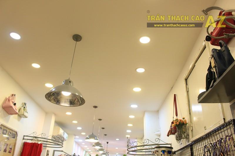 Chọn mẫu trần thạch cao cho shop nhỏ, dài đẹp ấn tượng như Mộc, 56 phố Huế - 05