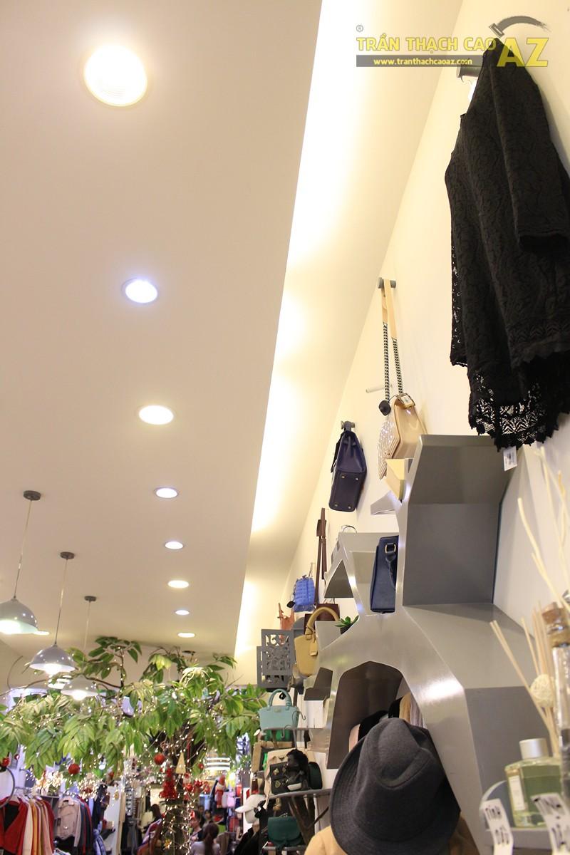 Chọn mẫu trần thạch cao cho shop nhỏ, dài đẹp ấn tượng như Mộc, 56 phố Huế - 03