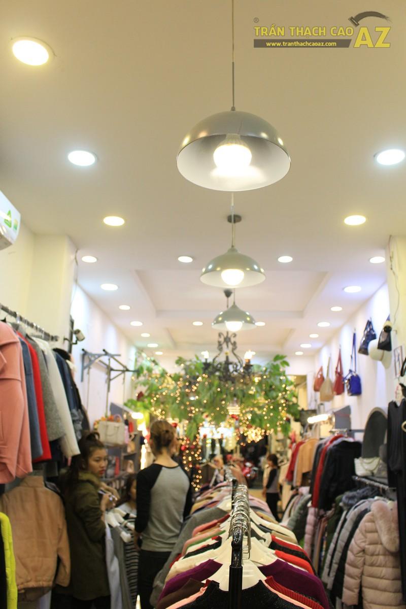 Chọn mẫu trần thạch cao cho shop nhỏ, dài đẹp ấn tượng như Mộc, 56 phố Huế - 02