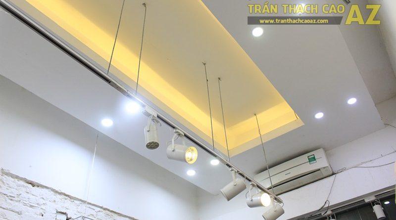 Mẫu trần thạch cao shop đẹp, độc, lạ của Thời trang xuất khẩu 37 phố Huế