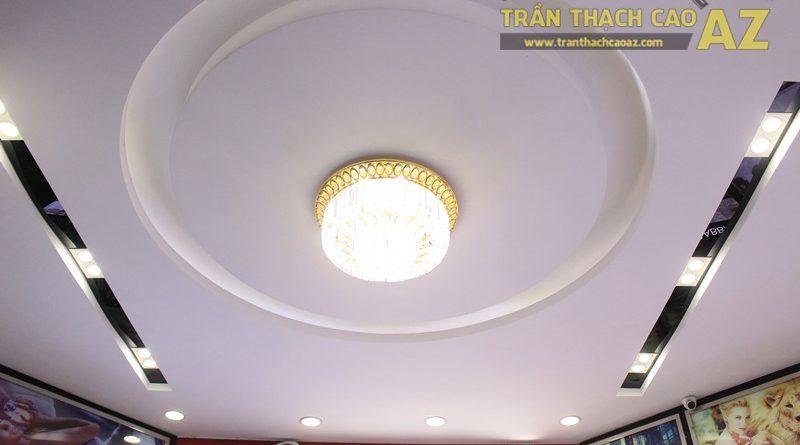 Mẫu trần thạch cao shop đẹp tinh tế, sang trọng của Thế giới nước hoa, 55D Hàng Bài