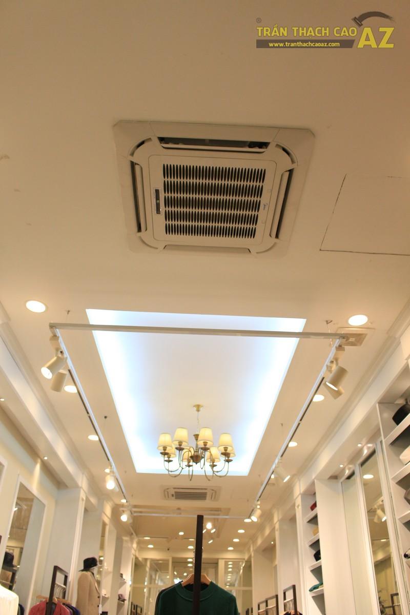 Ngắm mẫu trần thạch cao đẹp tuyệt đỉnh trong không gian cửa hàng thời trang Deluxe 239 Phố Huế
