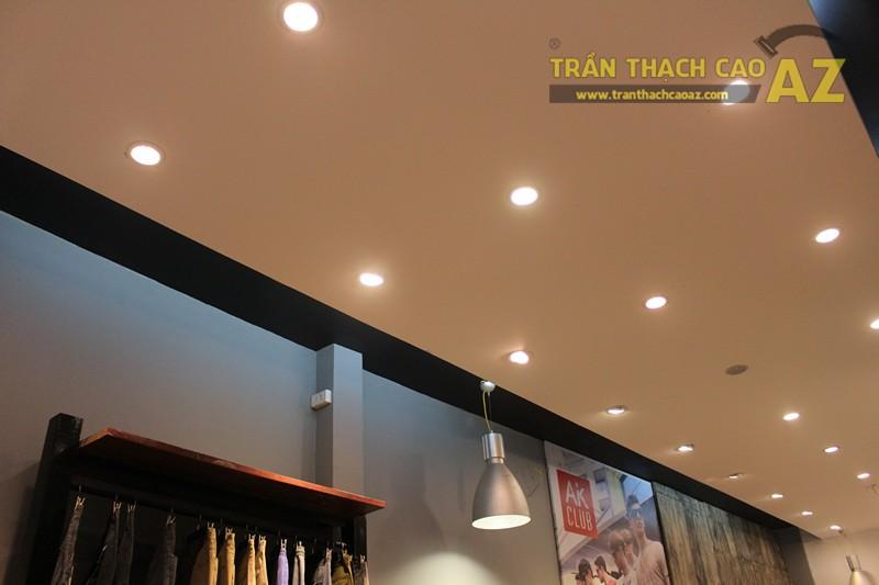 Ngắm mẫu trần thạch cao đơn giản, đep hiện đại của shop AKCLUB, 88B phố Huế - 02