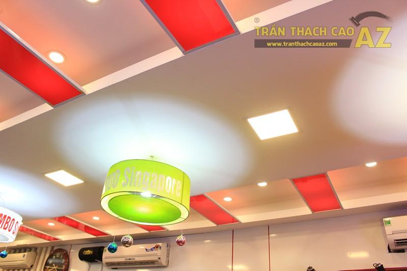 Phối màu trần thạch cao đẹp ấn tượng, bắt mắt như nhà hàng Cơm niêu Singapore, 257 Giảng Võ - 02