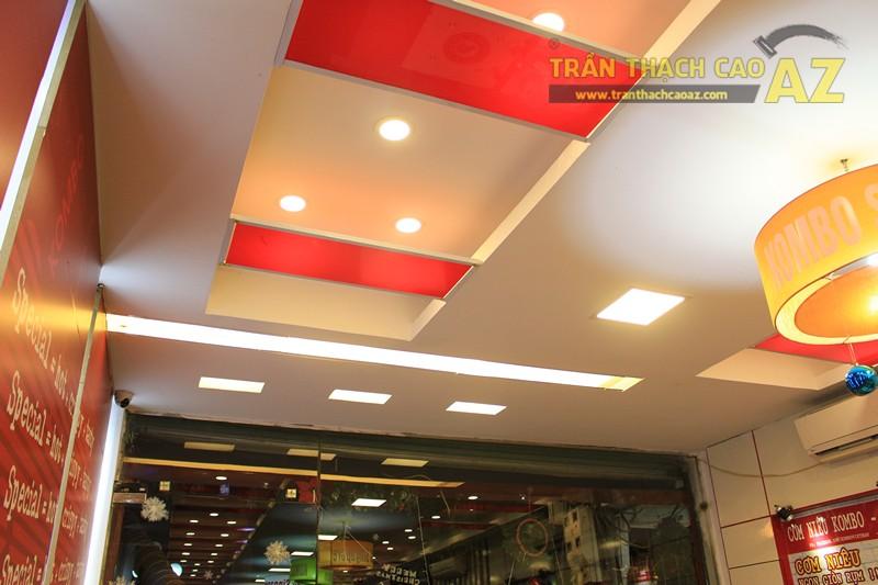 Phối màu trần thạch cao đẹp ấn tượng, bắt mắt như nhà hàng Cơm niêu Singapore, 257 Giảng Võ - 03