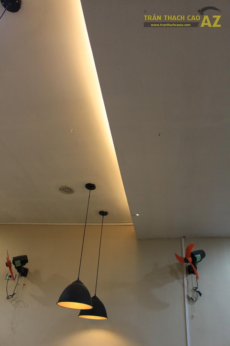 Phối màu trần thạch cao đẹp sang trọng, ấm cúng như Cháo Ếch Singapore, 212 phố Huế - 05