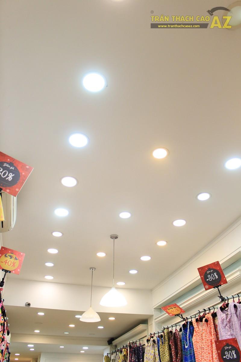 Sở hữu thiết kế trần thạch cao shop nhỏ đẹp cực đơn giản như Jubbie, 28B phố Huế - 04