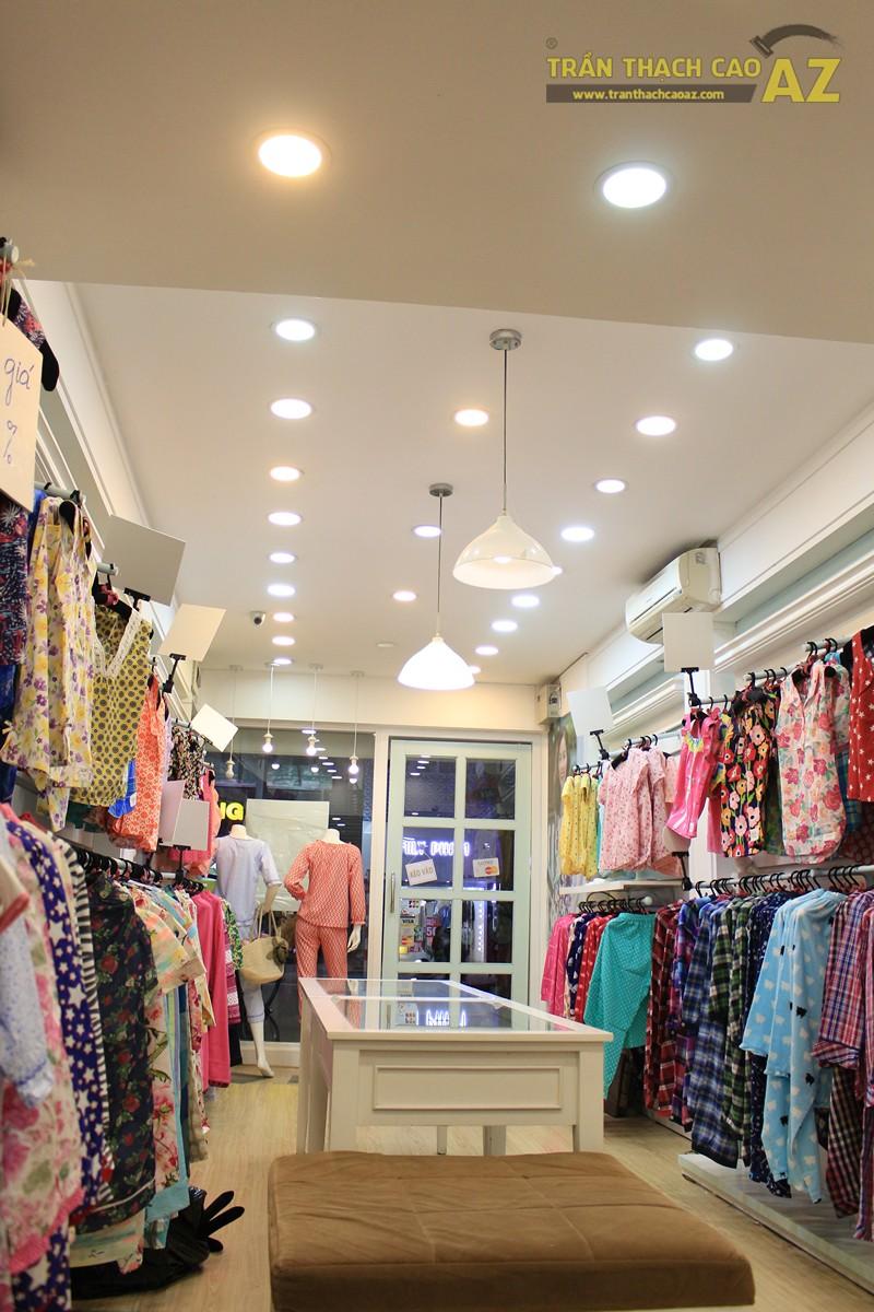 Sở hữu thiết kế trần thạch cao shop nhỏ đẹp cực đơn giản như Jubbie, 28B phố Huế - 02