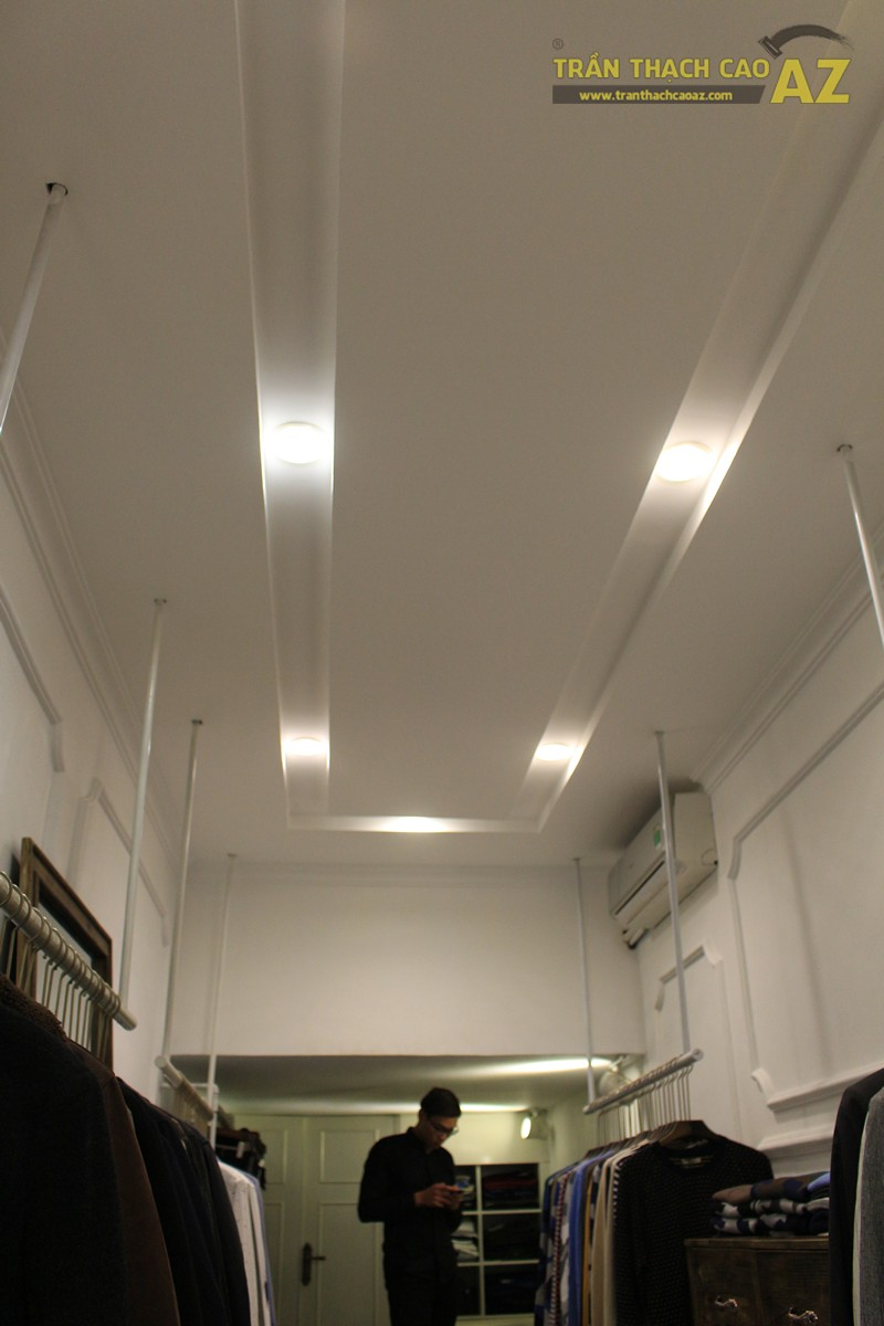 Tạo hiệu ứng hắt sáng lạ mắt như trần thạch cao giật cấp của shop DELUXE, 20 phố Huế - 03
