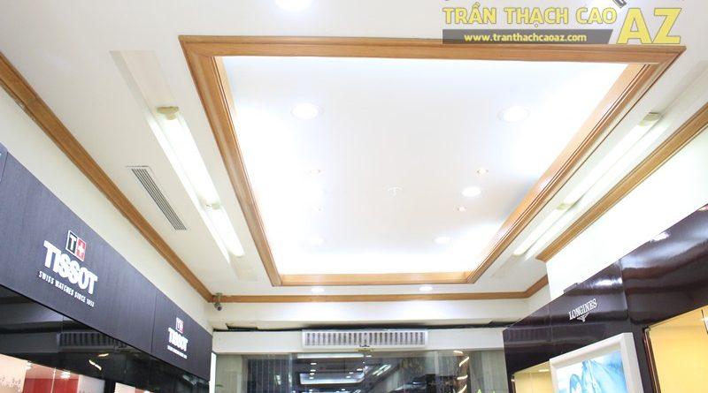 Tạo hình góc cạnh, hiện đại của thiết kế trần thạch cao showroom Duy Anh Watch, 200A phố Huế