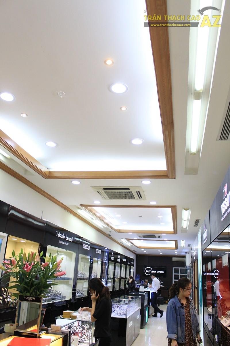 Tạo hình góc cạnh, hiện đại của thiết kế trần thạch cao showroom Duy Anh Watch, 200A phố Huế - 01