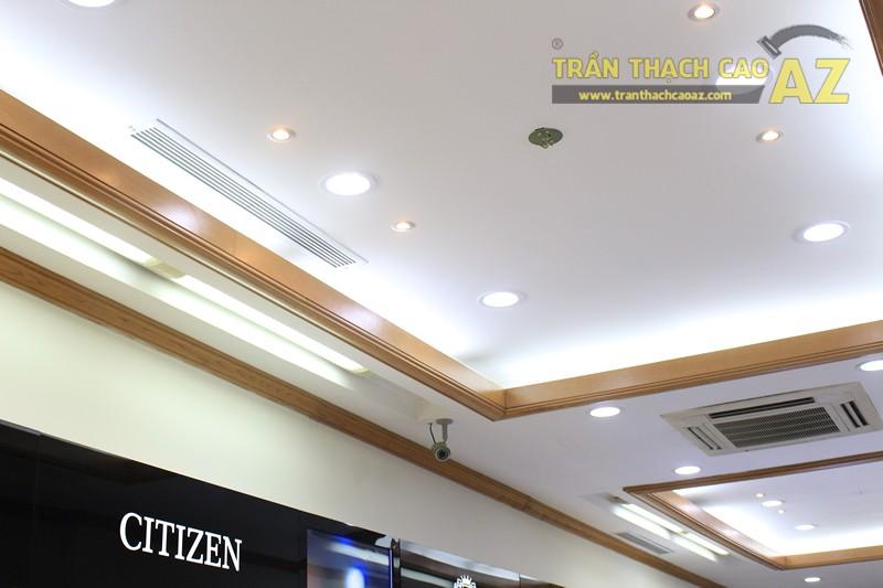 Tạo hình góc cạnh, hiện đại của thiết kế trần thạch cao showroom Duy Anh Watch, 200A phố Huế - 02