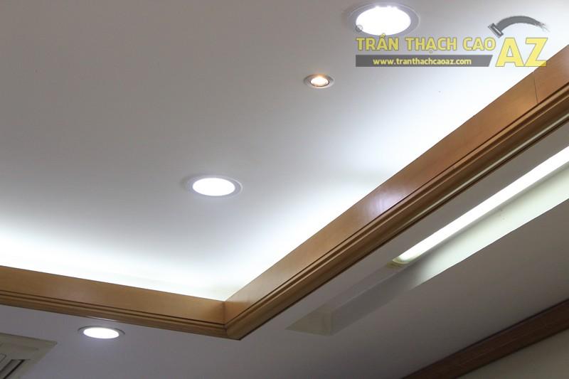 Tạo hình góc cạnh, hiện đại của thiết kế trần thạch cao showroom Duy Anh Watch, 200A phố Huế - 04