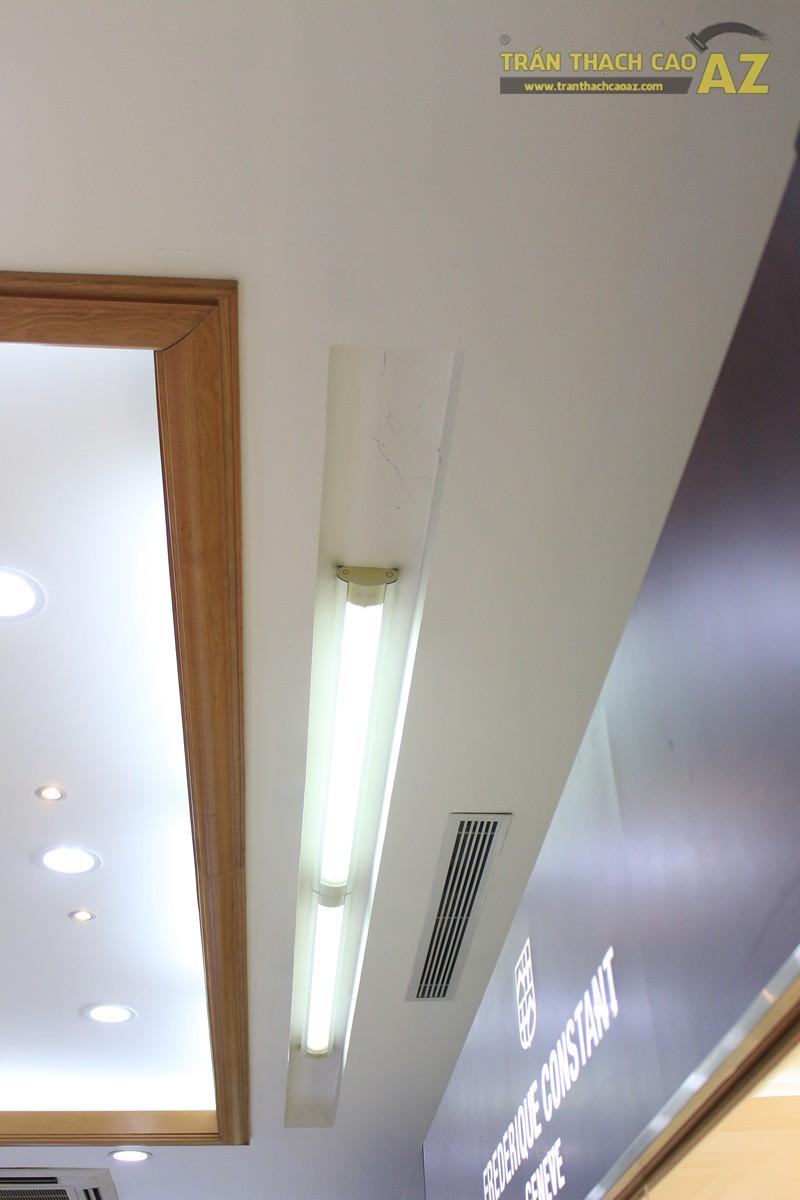 Tạo hình góc cạnh, hiện đại của thiết kế trần thạch cao showroom Duy Anh Watch, 200A phố Huế - 05