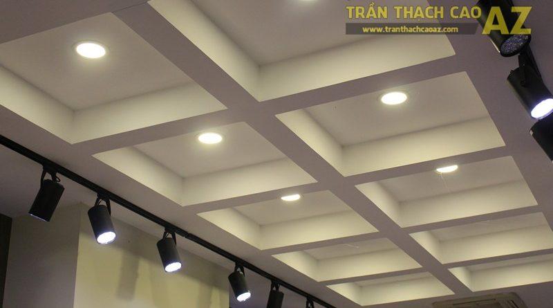 Tạo hình khác biệt, độc đáo của trần thạch cao shop Don Singapore, Hàng Bài