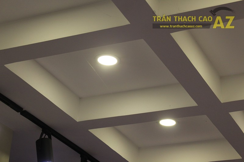 Tạo hình khác biệt, độc đáo của trần thạch cao shop Don Singapore, Hàng Bài - 01