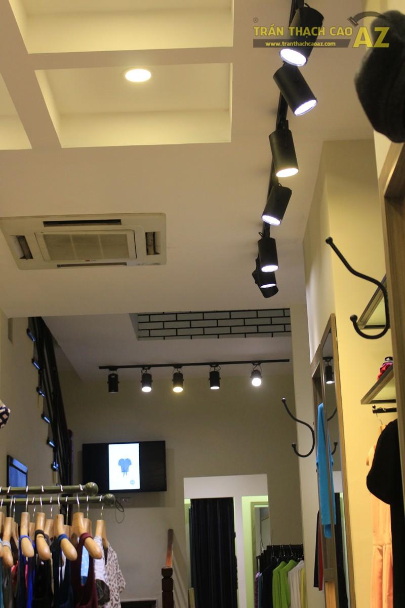 Tạo hình khác biệt, độc đáo của trần thạch cao shop Don Singapore, Hàng Bài - 04