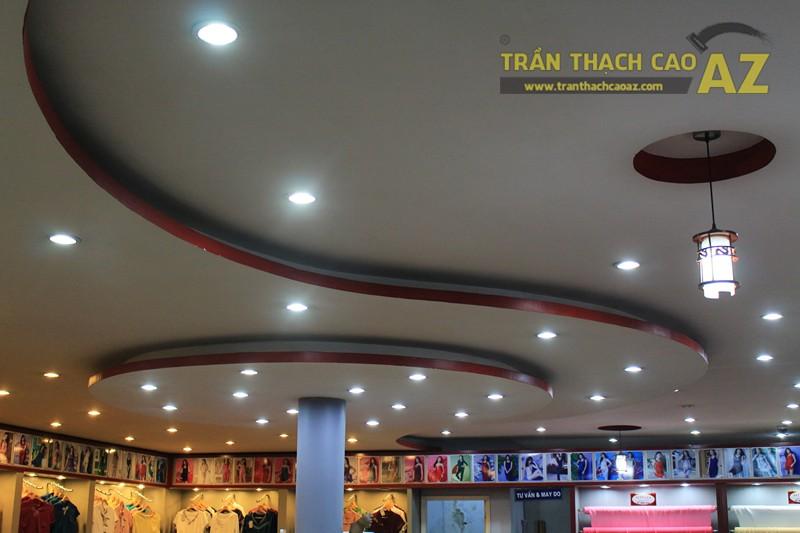 Tạo hình trần thạch cao với các khối hình lượn sóng ấn tượng của Thái Tuấn, 72 phố Huế - 03