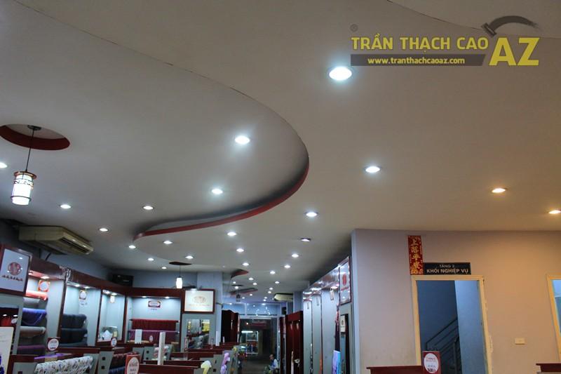Tạo hình trần thạch cao với các khối hình lượn sóng ấn tượng của Thái Tuấn, 72 phố Huế - 04
