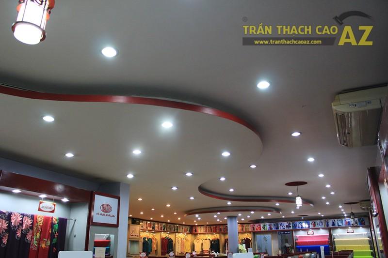 Tạo hình trần thạch cao với các khối hình lượn sóng ấn tượng của Thái Tuấn, 72 phố Huế - 01