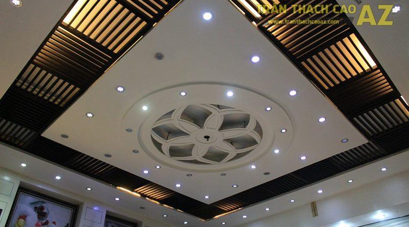 Thiết kế trần thạch cao đẹp với tạo hình hoa văn nghệ thuật của cửa hàng Thu Hương Bakery