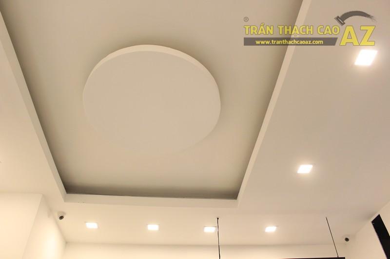 Trần thạch cao shop đẹp đơn giản với tạo hình trần giật cấp của MIZINO, 238 phố Huế - 04