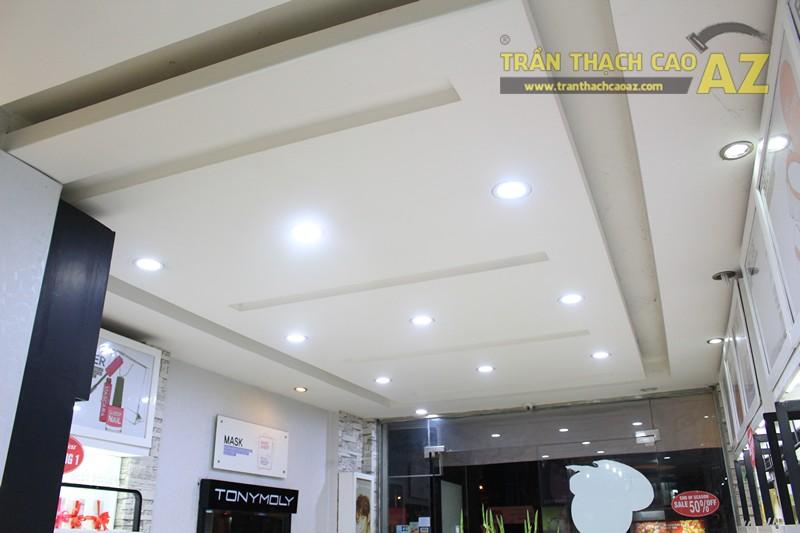 Thiết kế trần thạch cao showroom đẹp hiện đại, cực bắt mắt của TONYMOLY, 165 Giảng Võ - 03