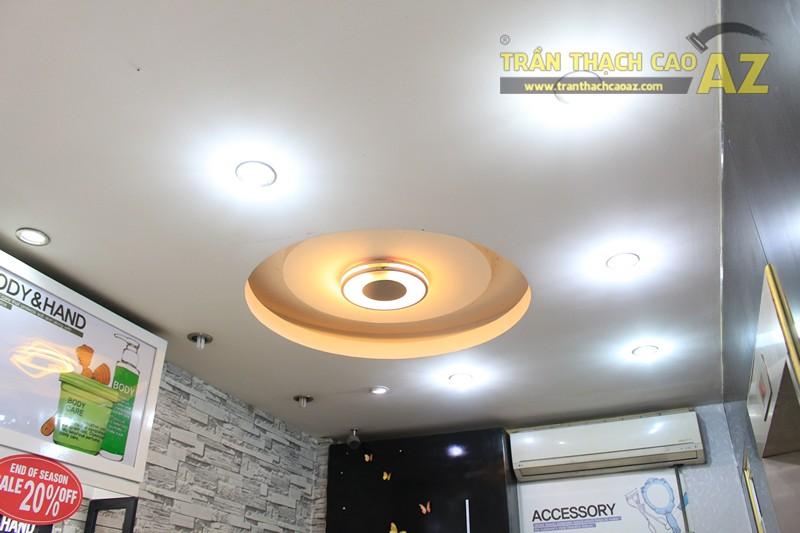Thiết kế trần thạch cao showroom đẹp hiện đại, cực bắt mắt của TONYMOLY, 165 Giảng Võ - 02