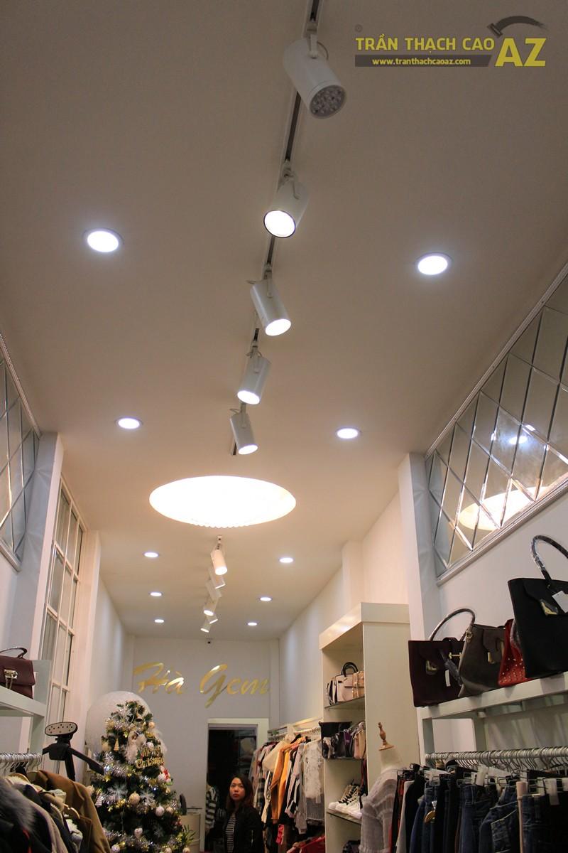Trang trí shop nhỏ đẹp lung linh với mẫu trần thạch cao đơn giản như Hà Gem, 136 phố Huế - 04
