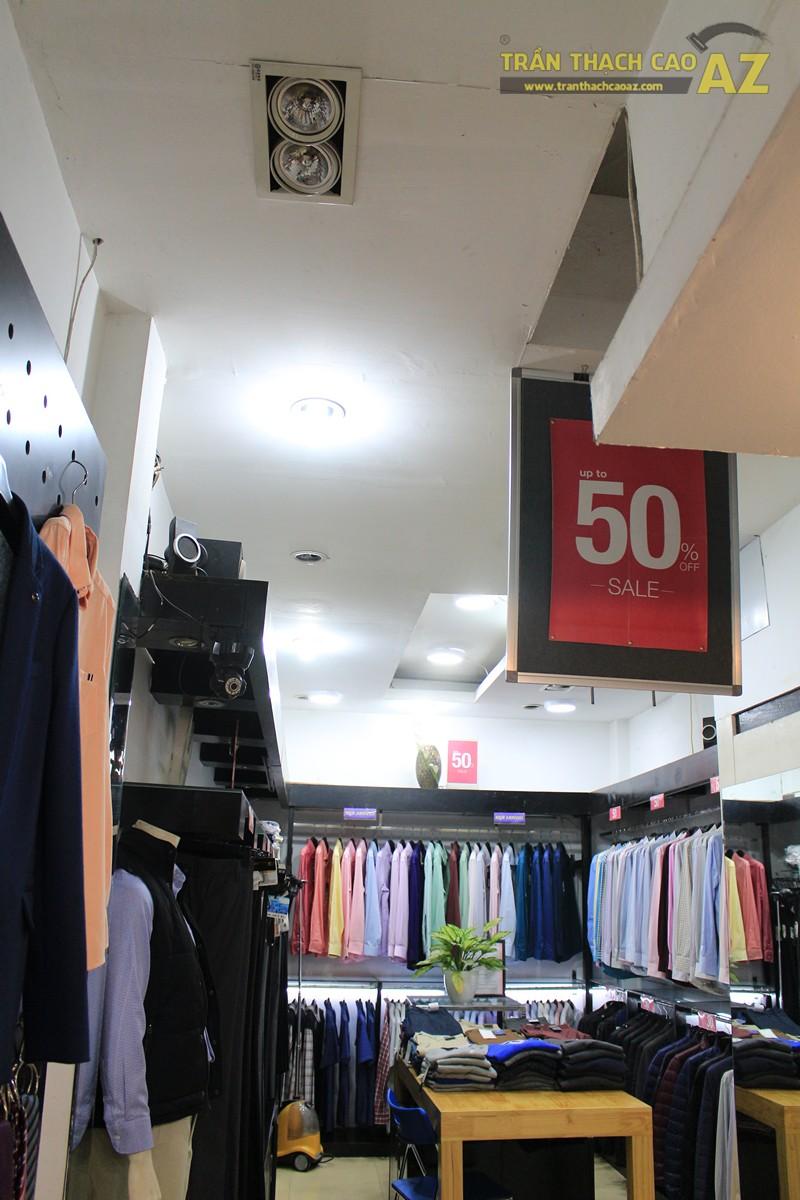 Trang trí shop nhỏ đẹp với tạo hình trần thạch cao hiện đại như Thời trang G2000 - 05