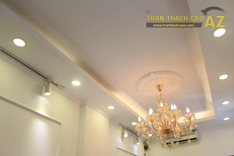 Trang trí trần thạch cao shop nhỏ theo phong cách cổ điển sang trọng của Fancy, 44 phố Huế - 04