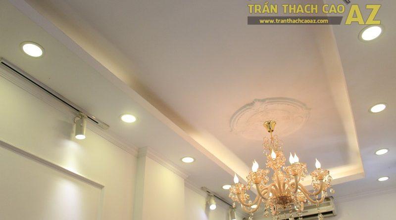 Trang trí trần thạch cao shop nhỏ theo phong cách cổ điển sang trọng của Fancy, 44 phố Huế