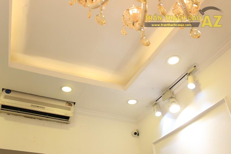 Trang trí trần thạch cao shop nhỏ theo phong cách cổ điển sang trọng của Fancy, 44 phố Huế - 05
