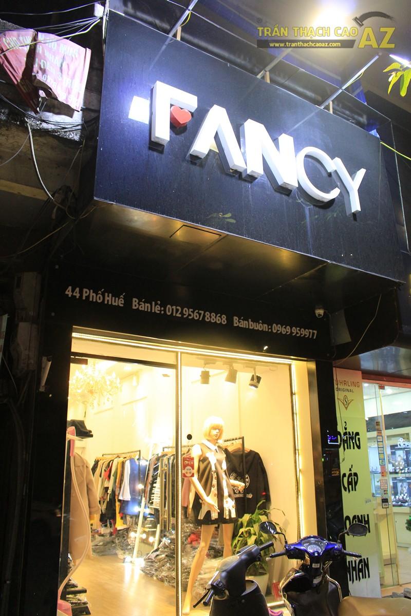 Trang trí trần thạch cao shop nhỏ theo phong cách cổ điển sang trọng của Fancy, 44 phố Huế - 06
