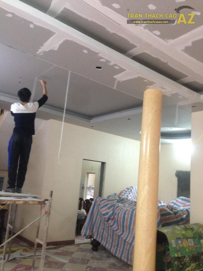 Thợ xử lý mối nối bằng băng keo lưới chuyên dụng
