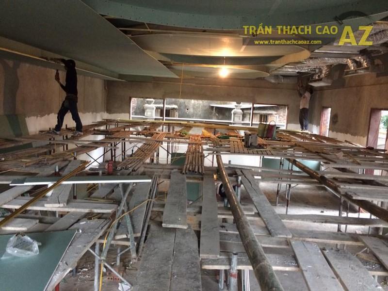 Thi công trần thạch cao cho nhà hàng Hương Sen, Từ Liêm, Hà Nội