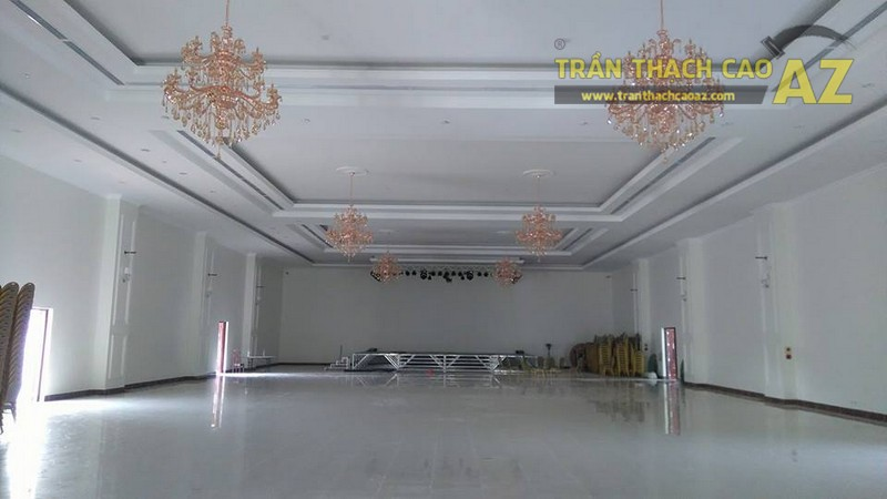 Thi công trần thạch cao cho trung tâm tiệc cưới của anh Hậu, Hà Đông, Hà Nội - 02