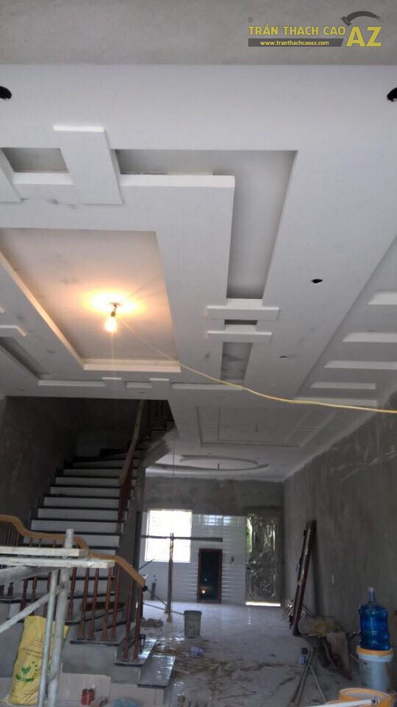 Thi công trần thạch cao phòng khách cho nhà anh Thứ, Long Biên, Hà Nội