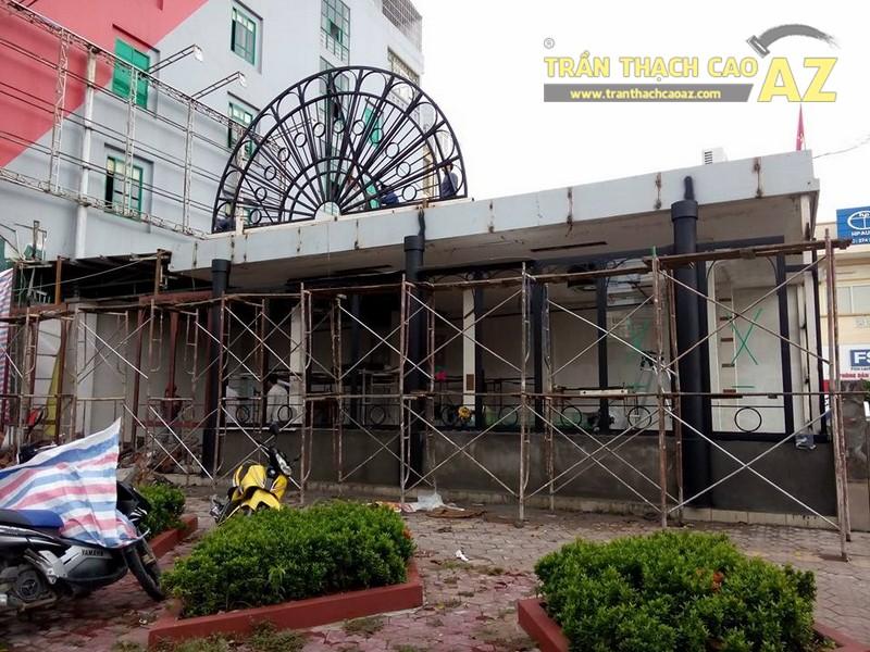 Tổng hợp hình ảnh thi công trần thạch cao cho quán Anne Queen Bar, Hà Nội