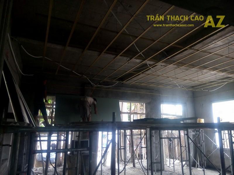 Thi công trần thạch cao nhà ống cho nhà chú Thẩm, Mai Dịch, Cầu Giấy