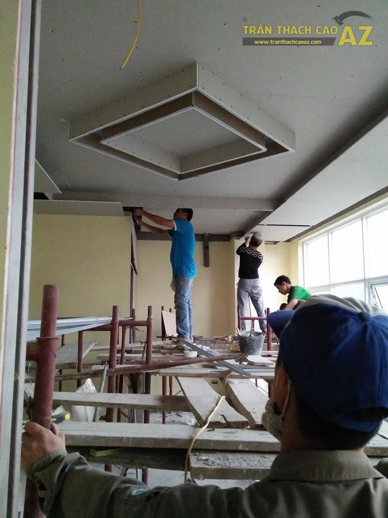 Thi công trần thạch cao tại nhà chị Huế tại Lê Trọng Tấn, Hà Đông, Hà Nội