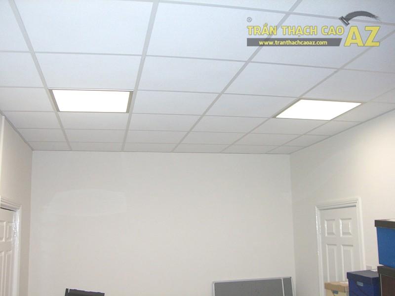 Nhà mái tôn, mái ngói làm trần thạch cao thả vẫn đảm bảo sang trọng lại dễ sửa chữa