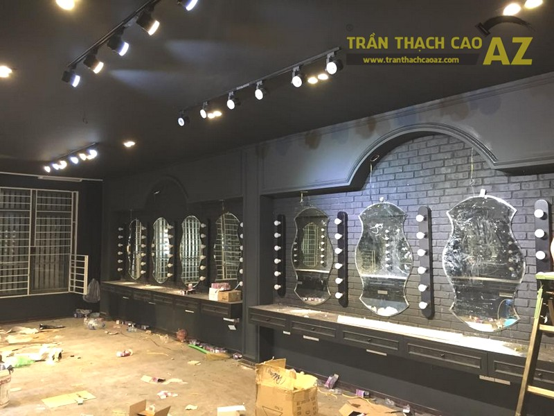 Làm trần thạch cao màu đen cá tính cho salon tóc Hoàng Oanh, Cầu giấy, Hà Nội - 05
