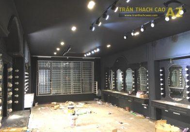 Làm trần thạch cao màu đen cá tính cho salon tóc Hoàng Oanh, Cầu giấy, Hà Nội