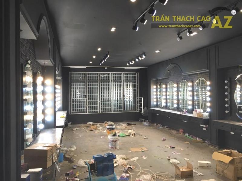 Làm trần thạch cao màu đen cá tính cho salon tóc Hoàng Oanh, Cầu giấy, Hà Nội - 03